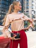 Шелковая блузка с оборкой по лифу и рукавам бежевая 49440, фото 2