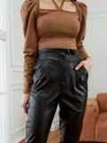 Зауженные брюки из экокожи с высокой посадкой черные 53522, фото 2