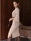 Платье приталенного силуэта с поясом бежевое 55665, фото 5