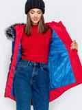 Зимняя куртка с удлиненной спинкой и капюшоном синяя 40912, фото 4