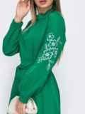 Зеленое платье-макси с вышивкой на рукавах 49477, фото 3