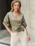 Блузка на запах цвета хаки с объемными рукавами 54627, фото 1
