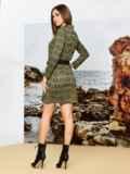 Трикотажное платье-пиджак цвета хаки в клетку 42369, фото 2