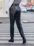 Черные брюки из эко-кожи застёгиваются на молнию 51673, фото 3