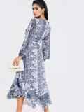 Шифоновое платье с принтом и асимметричным подолом белое 52965, фото 6