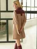 Замшевое платье-рубашка бежевого цвета с кокеткой из экокожи 52968, фото 2