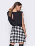 Чёрная блузка oversize с уплотненными плечами 52386, фото 3