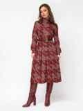 Бордовое платье в крупную «гусиную лапку» с воротником-гольф 52931, фото 3