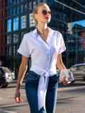 Белая блузка с пуговицами спереди и завязками на спинке 49536, фото 2