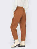 Вельветовые брюки оранжевого цвета с декоративными пуговицами 55192, фото 2