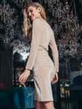 Бежевое платье с бархатным напылением и драпировкой по талии 42955, фото 4