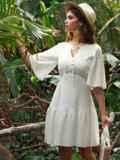 Приталенное платье из прошвы с воланом по низу белое 53454, фото 2