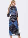Шифоновое платье с принтом и запахом на груди синее 53446, фото 3