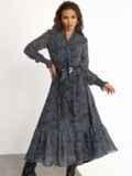 Расклешенное платье с принтом и воланом по низу графитовое 52469, фото 2