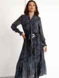 Расклешенное платье с принтом и воланом по низу графитовое 52469, фото 4