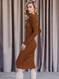 Вязаное платье коричневого цвета с фигурным вырезом 52907, фото 4