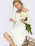 Белое платье-трапеция из прошвы с открытыми плечами 54364, фото 1