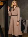 Бежевое платье с треугольным вырезом и расклешенной юбкой 52665, фото 4