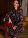 Расклешенное платье из шифона с турецким принтом черное 52661, фото 6