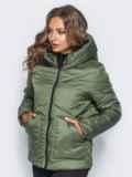 Стёганая куртка с капюшоном и объемными карманами зеленая 14701, фото 2