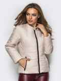 Демисезонная куртка бежевого цвета без воротника 15152, фото 2