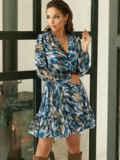 Принтованное платье из шифона с запахом и воланом по низу голубое 53104, фото 3