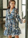 Принтованное платье из шифона с запахом и воланом по низу голубое 53104, фото 5
