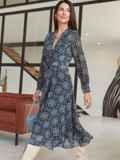 Шифоновое платье с принтом и лифом на запах черное 54975, фото 2