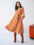 Оранжевое платье батал в горох с расклешеной юбкой 51505, фото 2