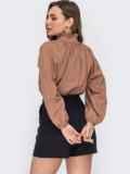 Свободная блузка с рюшей на воротнике и завязками бежевая 53290, фото 3