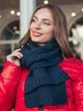 Базовый вязаный шарф темно-синего цвета 55388, фото 1