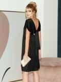 Приталенное платье из атласа с вырезом по спинке чёрное 51706, фото 5